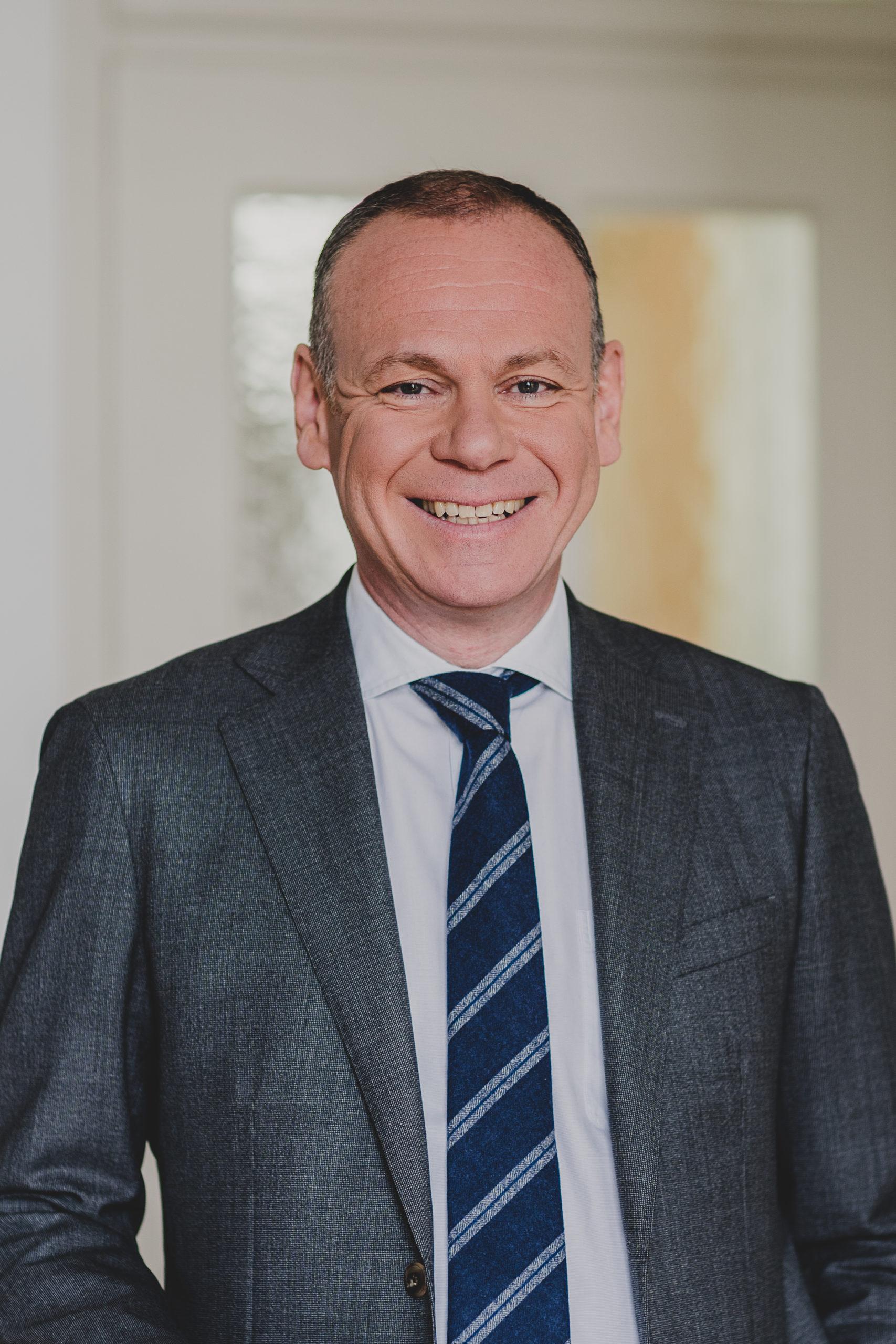 Dr. Wolfgang Summerer